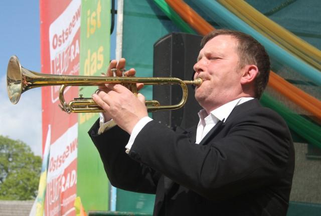 mit Trompete