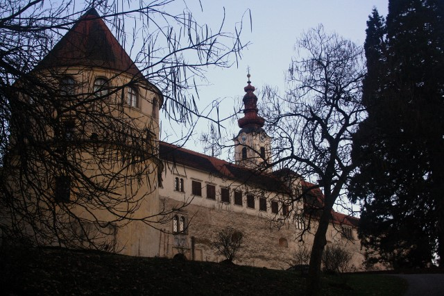 Schloss Hol