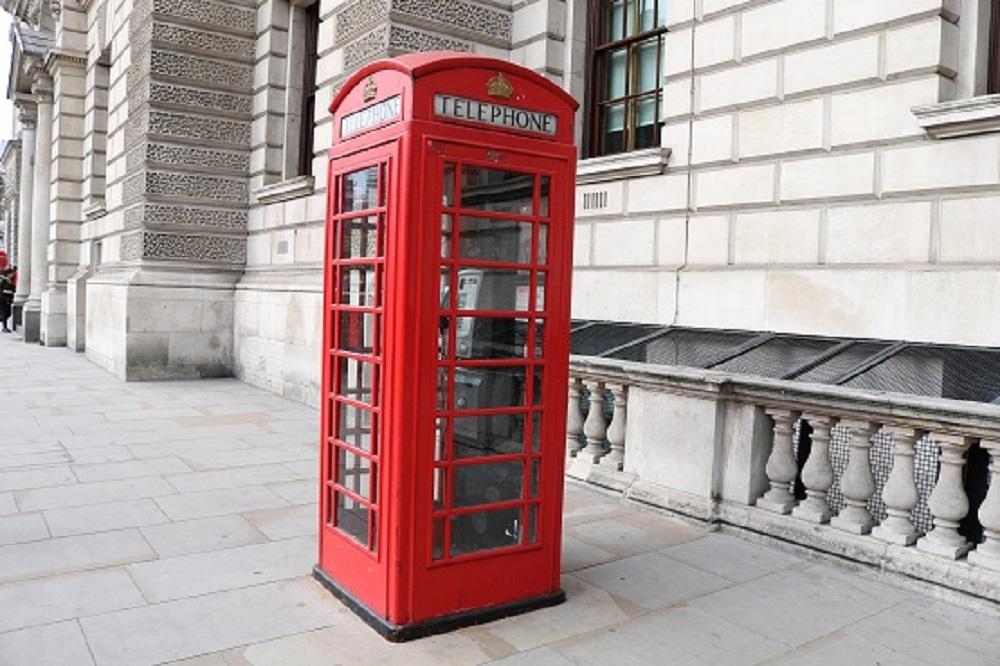 Typisch Englisch. Die rote Telefonzelle | Ulrich Travelguide